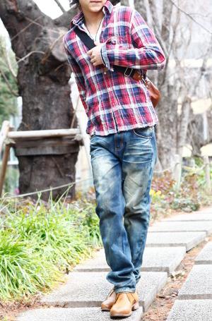 チェックシャツとジーンズのアメカジコーデ